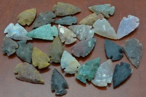 25 Pcs Assort Agate Stone Spearhead Arrowhead Point